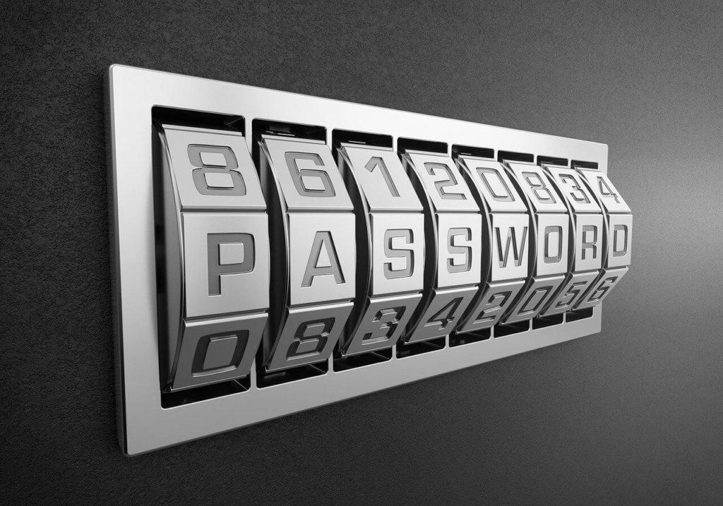 En 2020, plus de 97 % des attaques sur les comptes en ligne des plus grands fournisseurs reposent sur la fragilité des mots de passe, soit via des mots de passe trop faciles à trouver (123456, password, azerty, qwerty, iloveyou, …) soit via des mots de passe piratés.